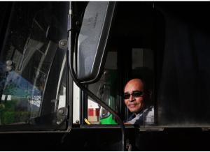 FOLHA DE SÃO PAULO: Boa reputação mantém motoristas mais velhos ao volante