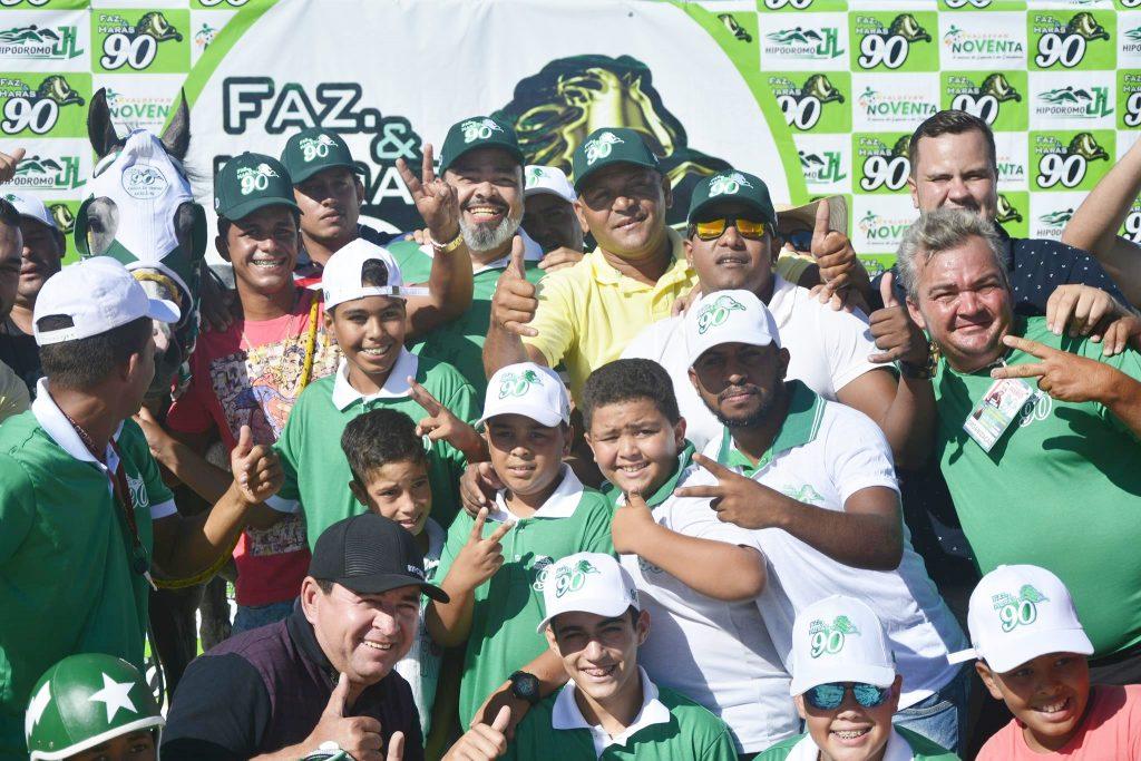 Valdevan Noventa inaugura hipódromo e  reúne 8 mil pessoas em Arauá, Sergipe