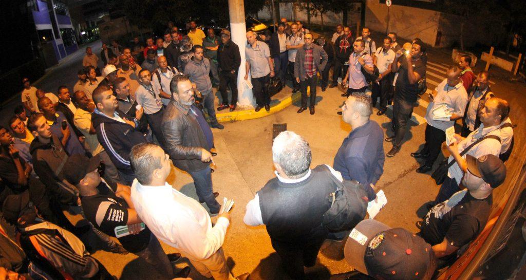 Valdevan Noventa defende trabalhadores da Viação Gato Preto