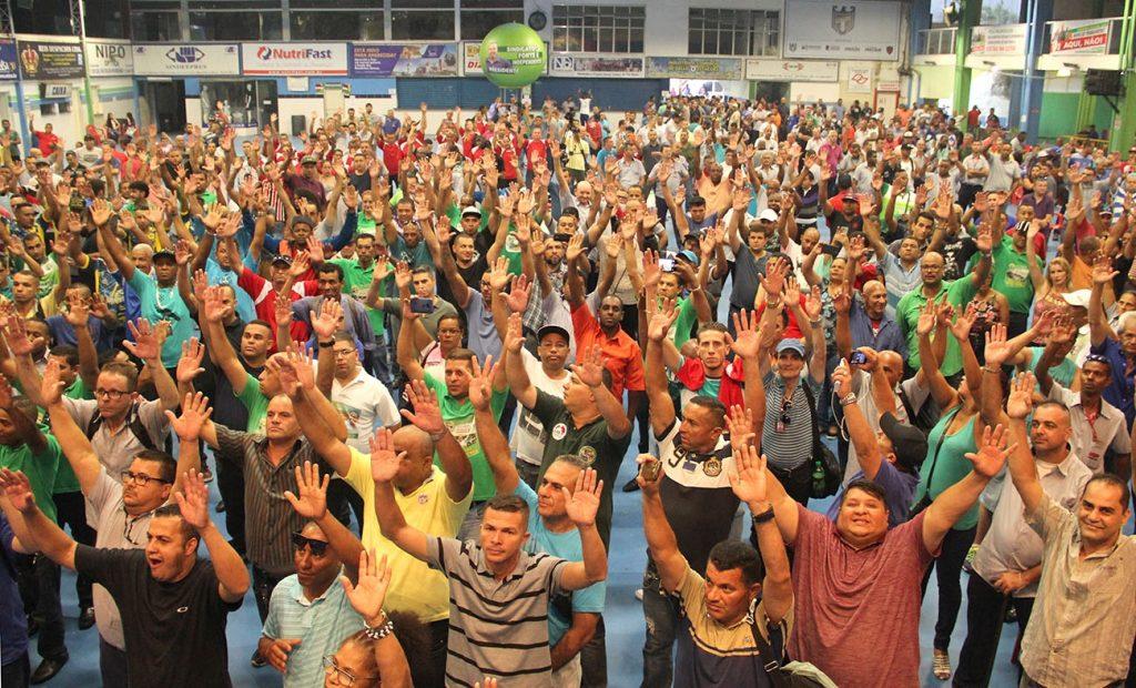 Mais de mil trabalhadores participam da primeira assembleia da Campanha Salarial
