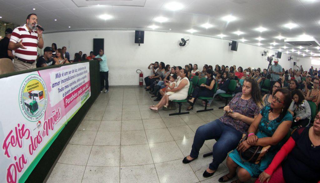 Condutoras são homenageadas pela gestão Valdevan Noventa pelo Dia das Mães