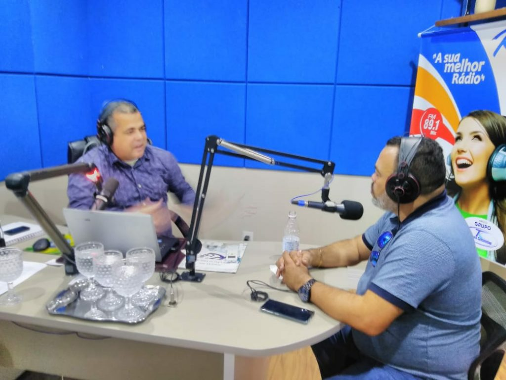 Rádio 81,9 FM de Porto Folha recebe Valdevan Noventa