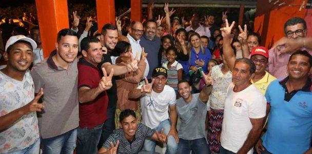 Valdevan Noventa relembra sua infância visitando o Povoado Progresso, em Arauá