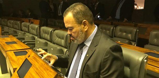 Valdevan Noventa vota pela aprovação da MP que moderniza patrimônio imobiliário da União