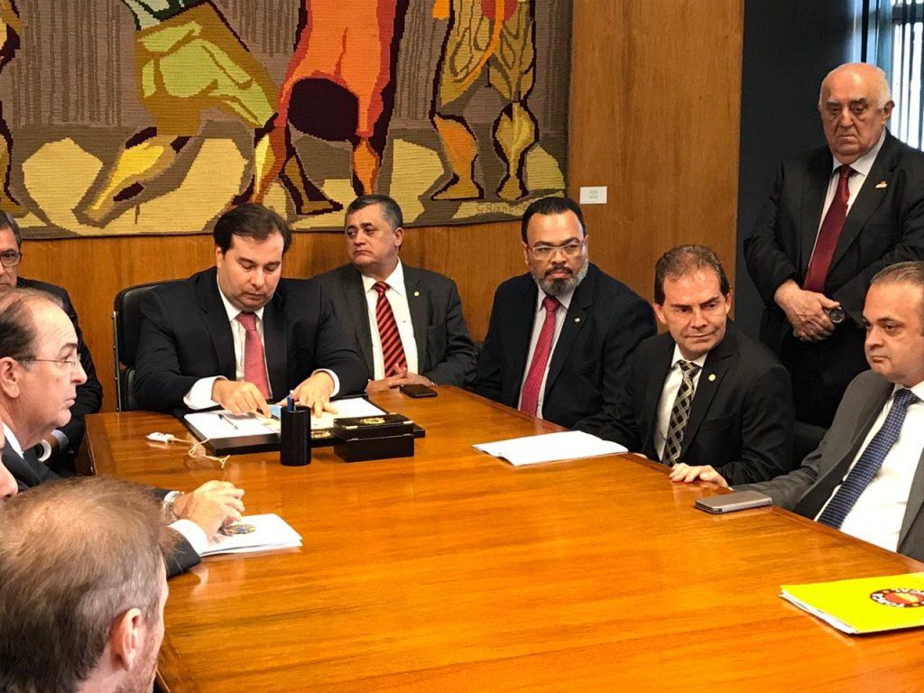 Valdevan Noventa e bancada sindical se reúnem com presidente da Câmara para debater MP 873