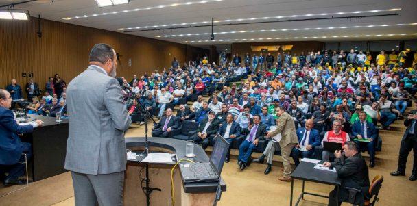 Valdevan Noventa defende trabalhadores dos transportes na Câmara dos Deputados