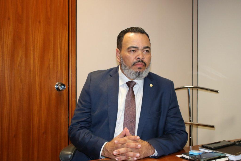 """""""Sem oportunidade, 167 mil sergipanos sofrem com o desemprego"""", afirma Valdevan Noventa"""