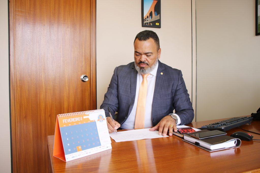 Valdevan Noventa anuncia investimento de R$ 17,7 milhões para Saúde Sergipana