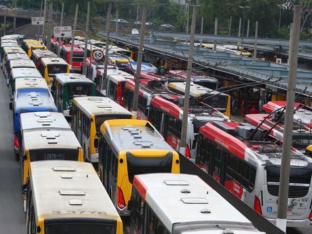 AGORA SÃO PAULO: Presidente Valdevan Noventa ameaça paralisar as operações no transporte em São Paulo