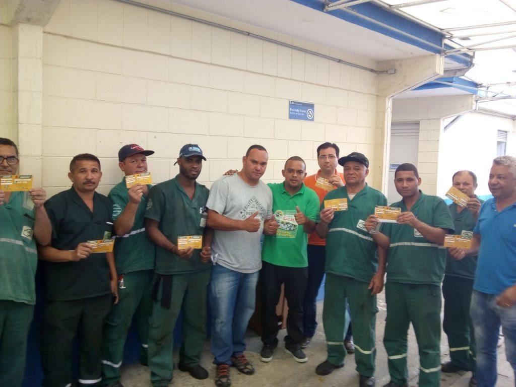 Trabalhadores em transportes começam a receber vacina da febre amarela