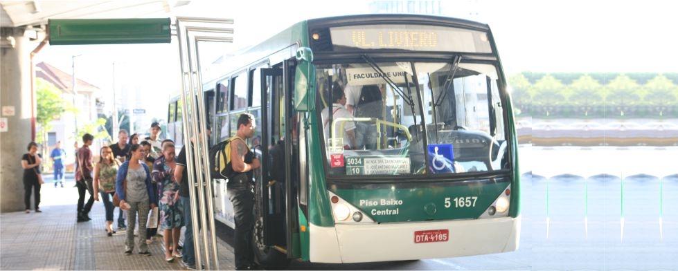 Cerca de 400 linhas de ônibus terão itinerário alterado neste Carnaval