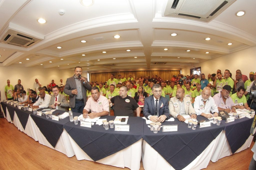 Valdevan Noventa defende trabalhadores na primeira rodada de negociação