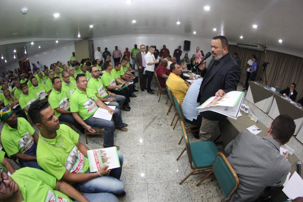 """Patrões apresentam proposta vergonhosa"", diz Valdevan Noventa"