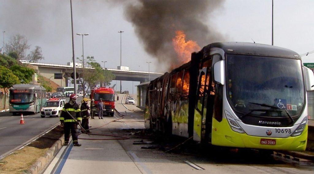 Ônibus incendiados: Sindmotoristas oferece apoio a Companheiros de Minas Gerais