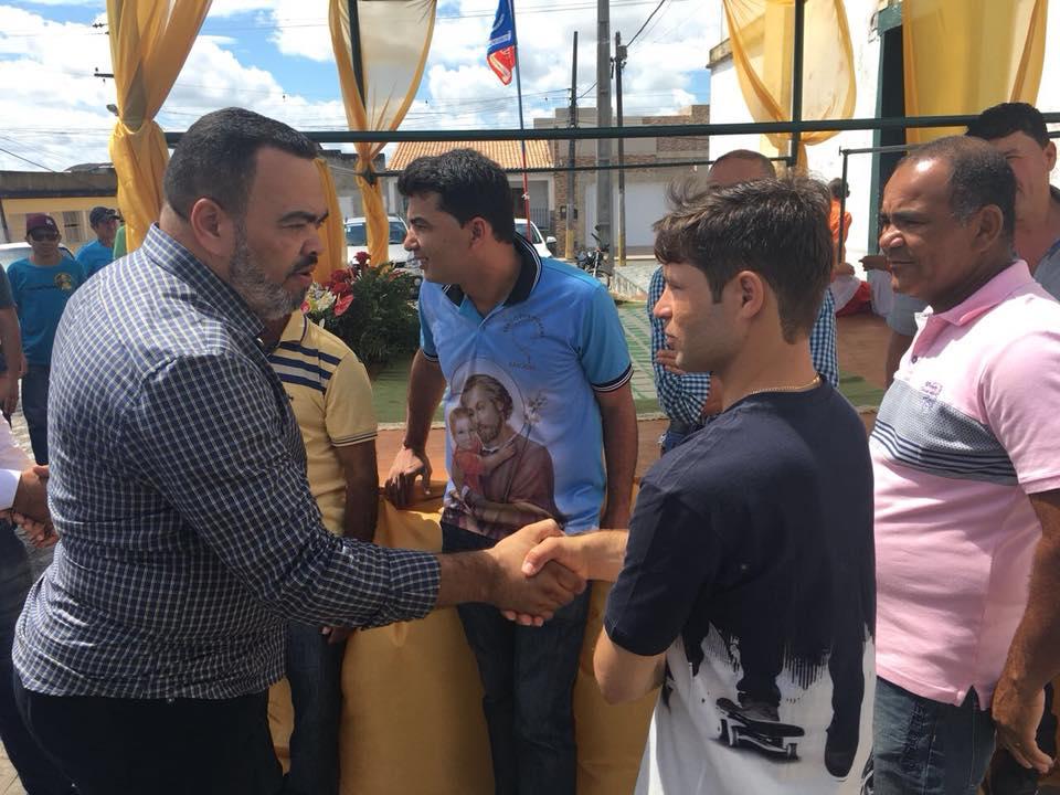 Valdevan Noventa intensifica diálogo da mudança com moradores