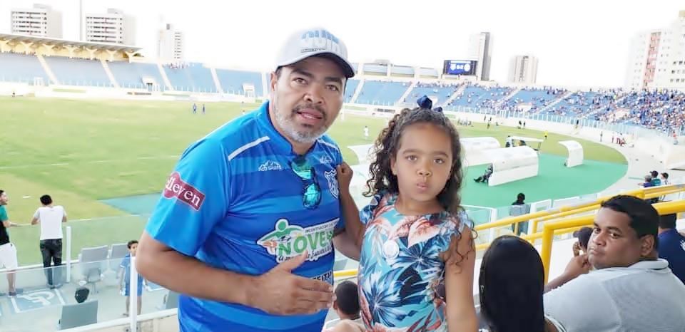 Valdevan Noventa marca presença no Estádio Batistão, em Aracaju