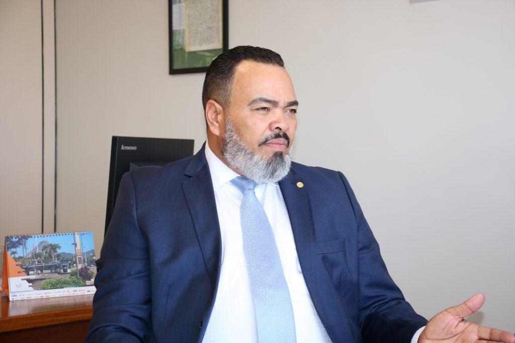 Coronavírus: Valdevan Noventa aprova projeto que garante renda de até R$ 1.200 para famílias